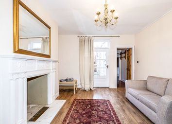 2 bed flat to rent in Lansdown Crescent, Cheltenham GL50