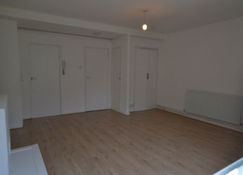Thumbnail 1 bed flat to rent in Donovan House, Cable Street, London