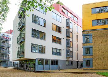 Thumbnail Flat to rent in Paradise Park, Lea Bridge Road, Clapton