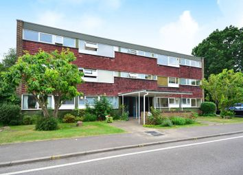 Thumbnail 3 bed flat to rent in Boxgrove Avenue, Burpham