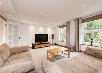 Thumbnail 3 bedroom town house for sale in Blenheim Close, Winchmore Hill