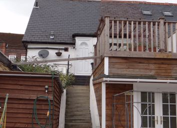 Thumbnail 2 bed flat to rent in Sycamore Road, Amersham, Buckinghamshire
