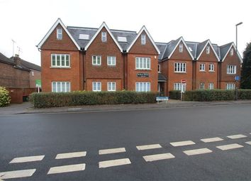 Thumbnail Flat to rent in Ifield Road, Crawley