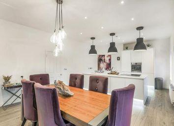 Apartment 2, 56 High Street, Knaresborough, North Yorkshire HG5. 3 bed flat for sale