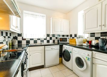 Thumbnail 3 bed flat to rent in Sparsholt Road, Stroud Green
