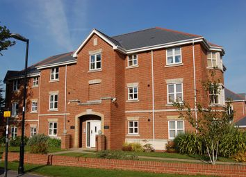 Thumbnail 2 bed flat to rent in Hillcroft Close, Lymington