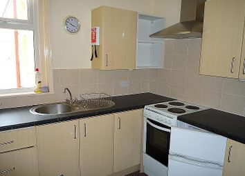 Thumbnail 1 bedroom flat to rent in Winter Road, Southsea