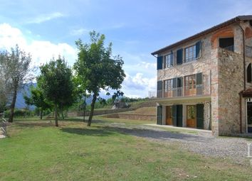 Thumbnail 4 bed country house for sale in Barga, Lucca, Toscana