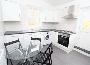 Thumbnail 2 bed flat to rent in The Avenue, Hornsey