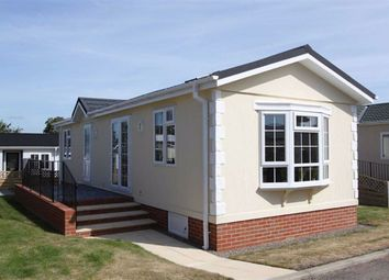 Thumbnail Mobile/park home to rent in Cotswold Manor Park, Tewkesbury, Gloucestershire