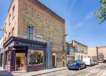 Thumbnail 1 bed flat to rent in Stoke Newington Church Street, Stoke Newington, London