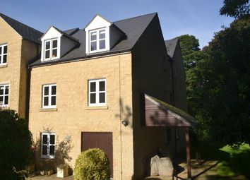 Thumbnail 1 bed flat to rent in Wards Road, Chipping Norton
