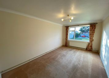 Thumbnail 2 bed flat to rent in Central Avenue, Telscombe Cliffs, Peacehaven