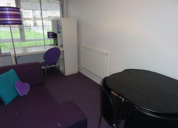 Thumbnail 1 bedroom flat to rent in Medway Road, Gillingham