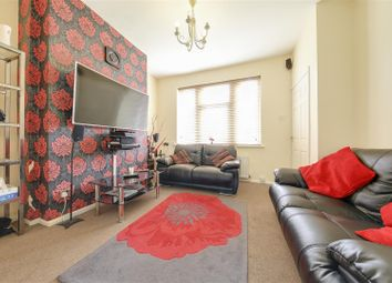 Thumbnail 2 bed town house for sale in Fallbarn Crescent, Rawtenstall, Rossendale