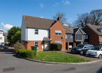 Thumbnail 2 bed maisonette for sale in Winter Gardens, Southgate, Crawley