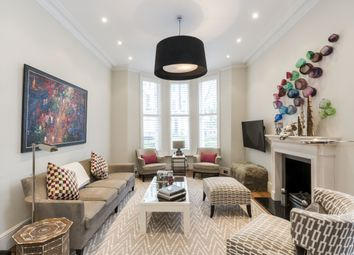 Thumbnail 3 bedroom flat to rent in Stanley Crescent, London