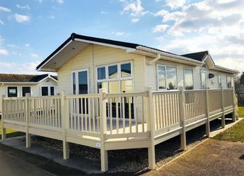 Thumbnail 2 bed mobile/park home for sale in Thorpe Park Holiday Centre, Cleethorpes