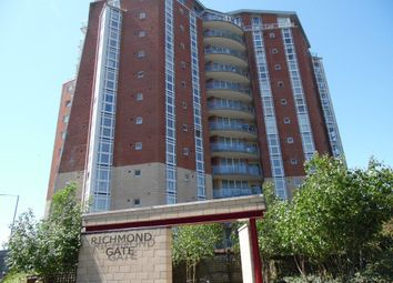 Thumbnail 2 bedroom flat to rent in Richmond Hill, Bournemouth