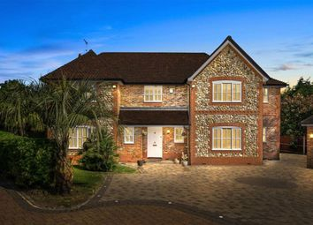 Thumbnail 5 bed detached house to rent in Woodgate Avenue, Potters Bar, Hertfordshire
