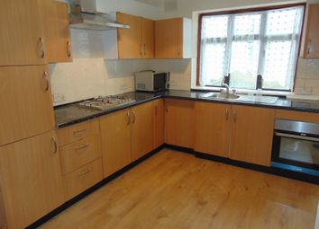 5 bed terraced house to rent in Cobham Road, Seven Kings, Essex IG3