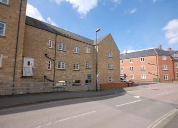 Thumbnail 1 bed flat for sale in Home Orchard, Ebley, Stroud