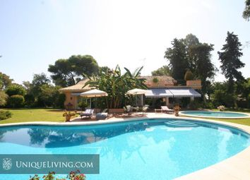 Thumbnail 9 bed villa for sale in Estepona, Costa Del Sol, Spain
