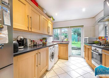 4 bed terraced house to rent in Pursley Road, London NW7