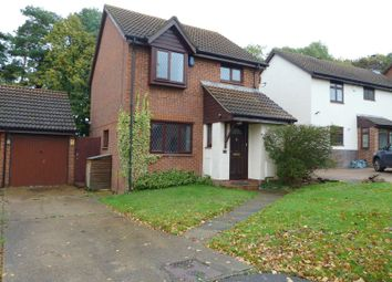 Thumbnail 3 bed detached house to rent in Whitecroft, Swanley