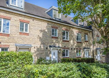 4 bed town house to rent in Ploughley Road, Ambrosden, Bicester OX25