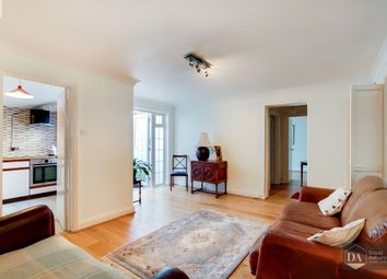 2 bed flat for sale in Princes Avenue, London N10