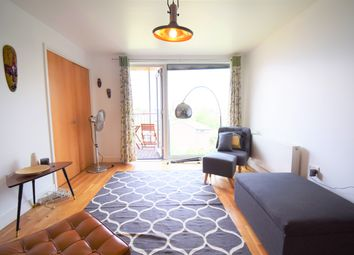 Thumbnail 1 bed flat for sale in Queensbridge Road, Shoreditch