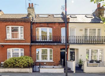 Wandsworth Bridge Road, London SW6. 2 bed terraced house