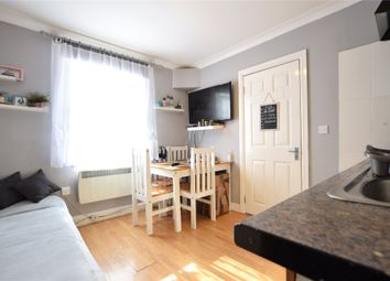 Thumbnail 1 bed flat to rent in William Street, Reading, Berkshire