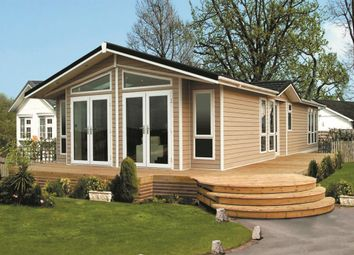 Thumbnail 2 bedroom mobile/park home for sale in Spring Park, London Road, Shadingfield, Beccles