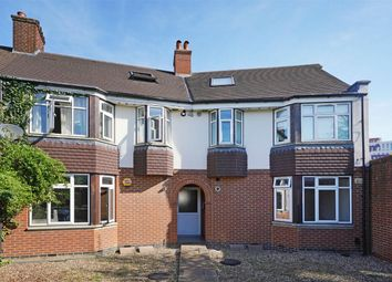 Thumbnail 2 bed flat to rent in Cloister Road, London