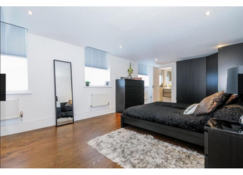 Thumbnail 3 bed flat to rent in Royal Drive, New Southgate, London