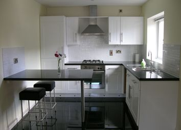 Thumbnail 2 bedroom flat to rent in Mount Street, Cowlersley, Huddersfield