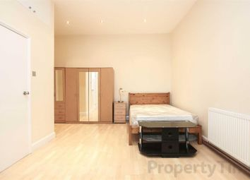 Thumbnail Maisonette to rent in Buckland Crescent, London