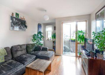 Thumbnail 1 bedroom flat to rent in De Beauvoir Road, Islington