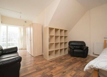 Thumbnail Room to rent in R3, 52 Martello Street, Hackney, London