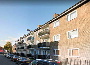 Thumbnail 2 bed flat to rent in Beaumont Grove, Stepney Green/Whitechapel