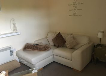 Thumbnail 1 bed flat to rent in Wrotham Road, Meopham, Gravesend