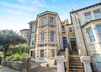 2 bed flat for sale in Montrose Avenue, Cotham BS6