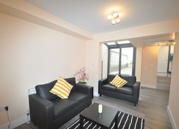 Thumbnail 1 bed flat to rent in High Street, Farningham, Dartford