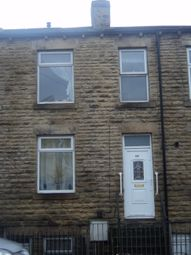 2 bed terraced house to rent in Huddersfield Road, Dewsbury WF13