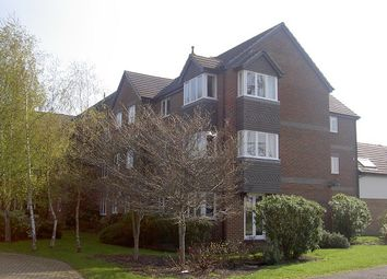 Thumbnail 2 bed flat to rent in Didcot, Oxfordshire