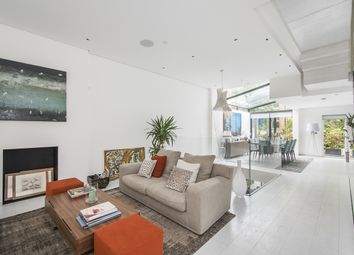 Thumbnail 4 bed terraced house to rent in Oakfield Street, London