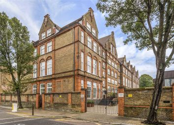 2 bed maisonette for sale in Ecclesbourne Road, Islington, London N1
