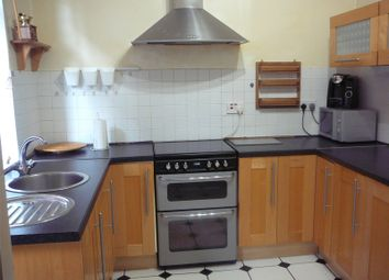 3 bed semi-detached house to rent in Woodland Grove, Mansfield Woodhouse, Nottinghamshire NG19